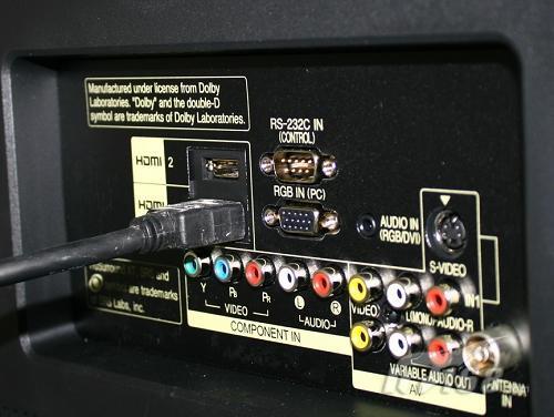 32吋全高清液晶电视推荐    接口方面:lg 32lh30fr液晶电视配备有usb
