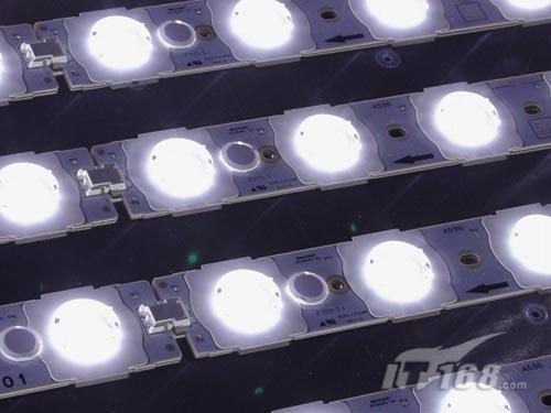 现场展示的LED背光模组-IT168每日文章更新列表