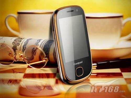 金彩 手机/酷派E210炫黑全触控镜面,采用了酷派手机惯用的直板触屏技术,...