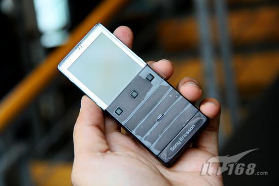索尼爱立信透明X5评测:隐藏式渐变按键+外置SIM卡插槽,拥有它你就是焦点