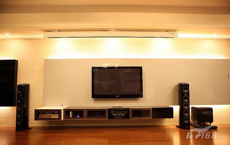 客厅投影背景墙