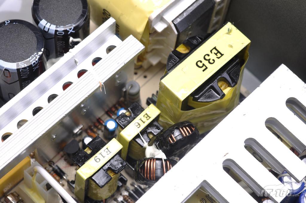 aoc散热王400钻石版电源内部的开关电路