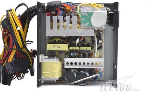 电源内部结构:   aoc散热王400整个emi电路上的设计