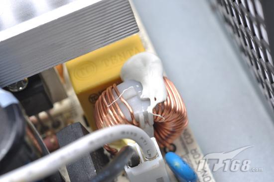 > 专利散热技术 aoc散热王400电源评测    aoc散热王400整个emi电路上