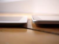 iPad 2与iPad侧面对比