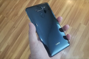 """试客发言区:华为称Mate 10是一台""""智慧机器"""",iPhone8""""首爆"""""""